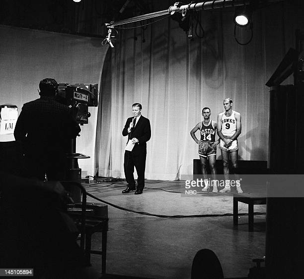 Jack Lescoulie celebrity contestants Boston Celtics' Bob Cousy St Louis Hawks' Bob Pettit
