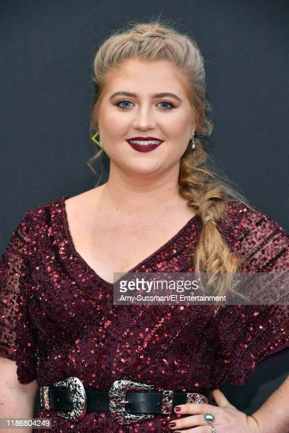 Jaicy Elliot arrives to the 2019 E People's Choice Awards held at the Barker Hangar on November 10 2019 NUP_188989