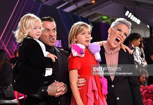 Jameson Hart Carey Hart Willow Sage Hart and Pink arrive to the 2019 E People's Choice Awards held at the Barker Hangar on November 10 2019 NUP_188994