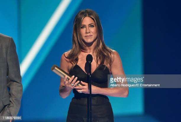 Jennifer Aniston accepts The People's Icon of 2019 award on stage during the 2019 E People's Choice Awards held at the Barker Hangar on November 10...