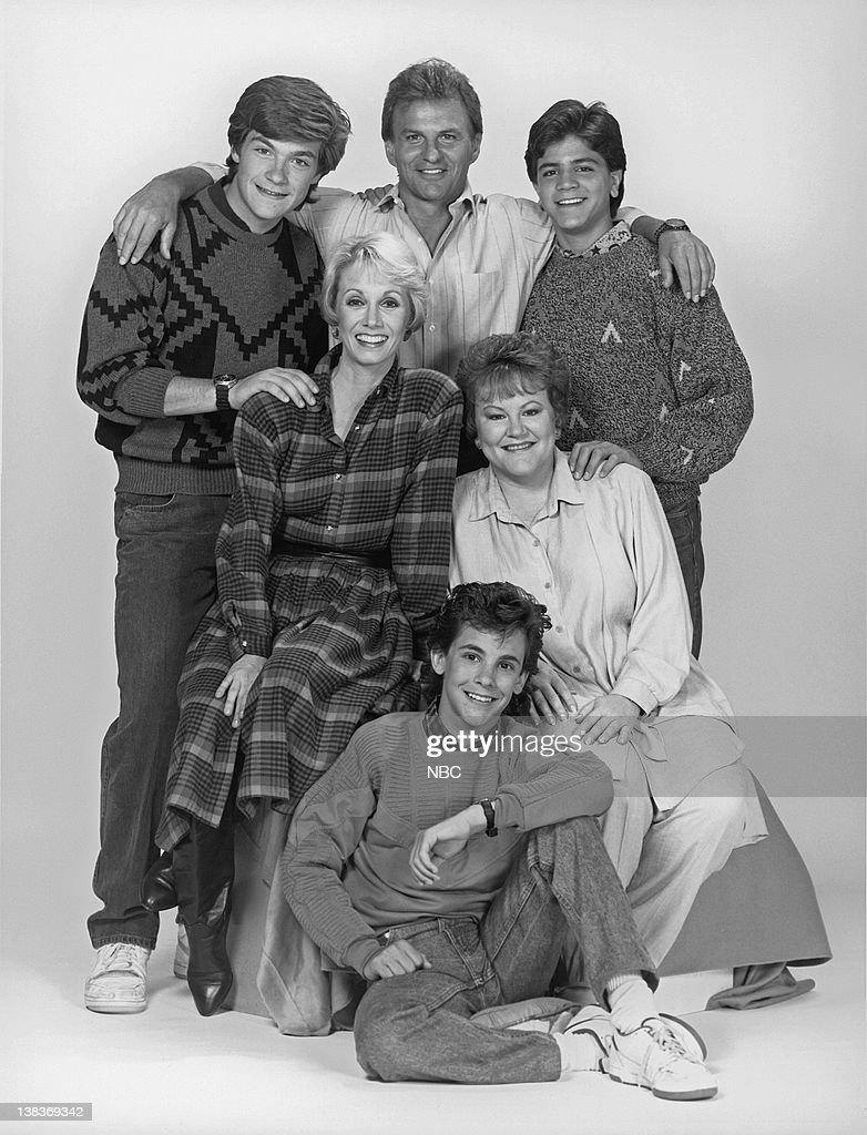 Jeremy Licht as Mark Hogan, Sandy Duncan as Sandy Hogan, Edie ...