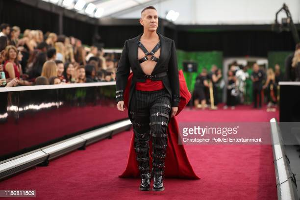 Jeremy Scott arrives to the 2019 E People's Choice Awards held at the Barker Hangar on November 10 2019 NUP_188992