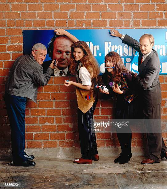 John Mahoney as Martin Crane Peri Gilpin as Roz Doyle Jane Leeves as Daphne Moon David Hyde Pierce as Dr Niles Crane