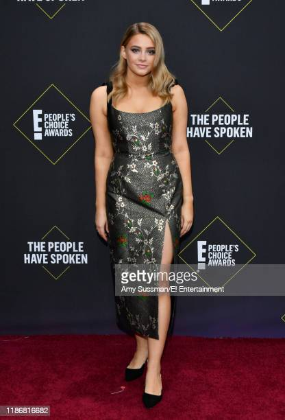 Josephine Langford arrives to the 2019 E People's Choice Awards held at the Barker Hangar on November 10 2019 NUP_188989