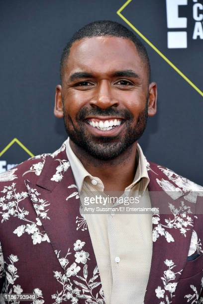 Justin Sylvester arrives to the 2019 E People's Choice Awards held at the Barker Hangar on November 10 2019 NUP_188989