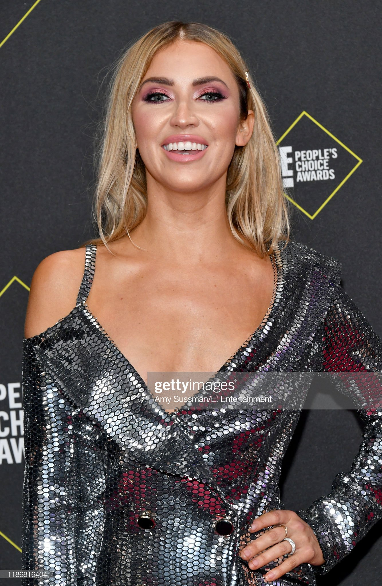 Kaitlyn Bristowe & Jason Tartick - Bachelorette 11 - Discussion  - Page 8 Pictured-kaitlyn-bristowe-arrives-to-the-2019-e-peoples-choice-awards-picture-id1186816404?s=2048x2048
