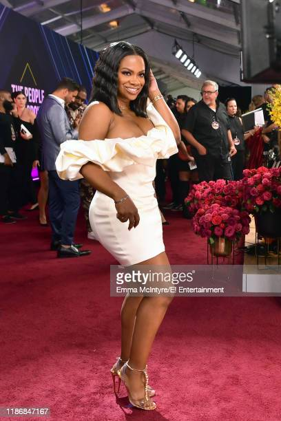Kandi Burruss arrives to the 2019 E People's Choice Awards held at the Barker Hangar on November 10 2019 NUP_188994