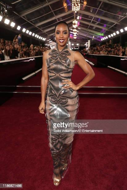 Kelly Rowland arrives to the 2019 E People's Choice Awards held at the Barker Hangar on November 10 2019 NUP_188990