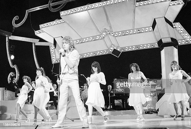 Leif Garrett performing