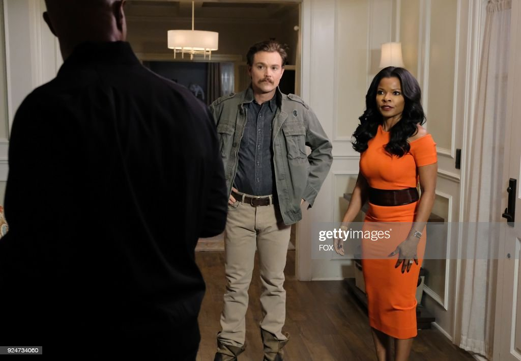 Damon Wayans, Clayne Crawford and Keesha Sharp in the 'Odd Couple' episode of LETHAL WEAPON airing Tuesday, FEb. 27 (8:00-9:00 PM ET/PT) on FOX.