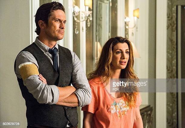 """Pictured L-R: Oliver Hudson as Wes and Nasim Pedrad as Gigi in the """"Haunted House"""" episode of SCREAM QUEENS airing Tuesday, Oct. 6 on FOX."""