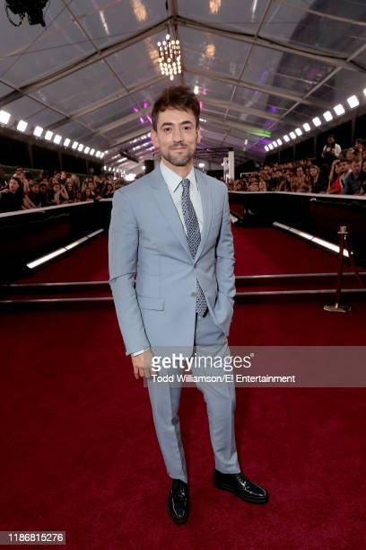 Luis Gerardo Mendez arrives to the 2019 E People's Choice Awards held at the Barker Hangar on November 10 2019 NUP_188990