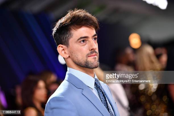 Luis Gerardo Mendez arrives to the 2019 E People's Choice Awards held at the Barker Hangar on November 10 2019 NUP_188994