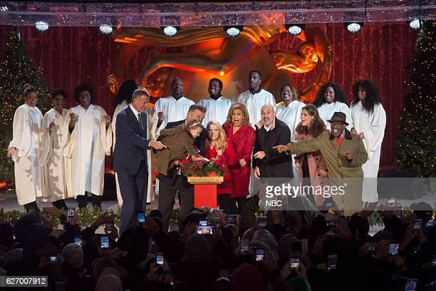 Pictured: Mayor Bill de Blasio, Carmen Baldwin, Alec Baldwin, Kate McKinnon, Hoda Kotb, Matt Lauer, Savannah Guthrie and Al Roker during the 2016...