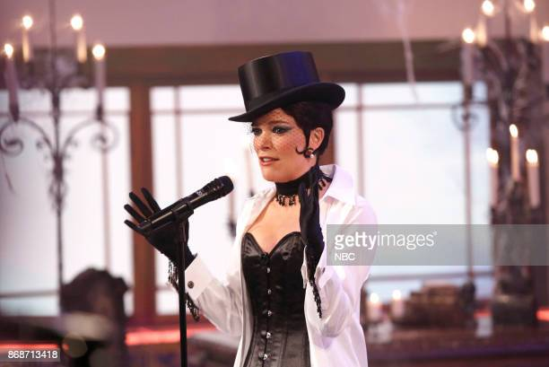 Megyn Kelly as Shania Twain on Tuesday October 31 2017