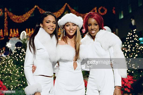 Michelle Williams Beyonce Knowles Kelly Rowland of Destiny's Child during the Christmas tree lighting at Rockefeller Center on November 29 2001 in...