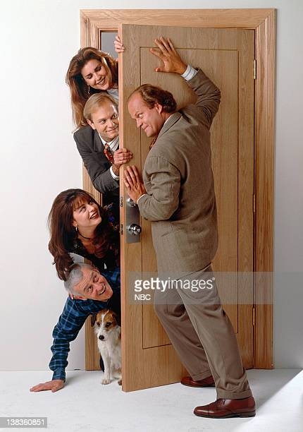 Moose as Eddie John Mahoney as Martin Crane Jane Leeves as Daphne Moon David Hyde Pierce as Dr Niles Crane Peri Gilpin as Roz Doyle Kelsey Grammer as...
