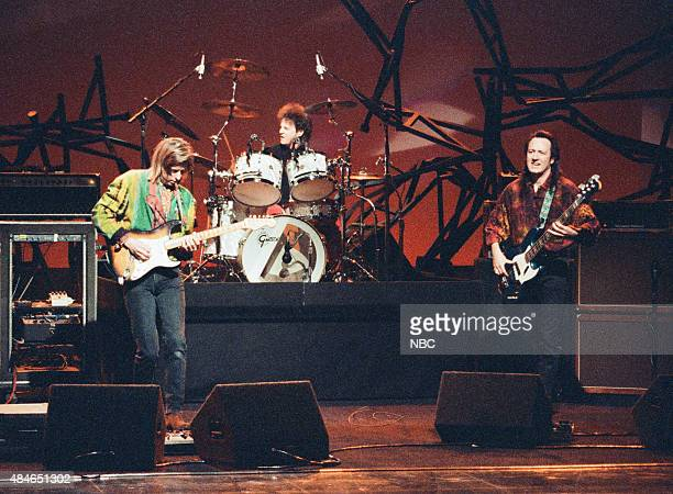 Musical guest Eric Johnson performs on January 22 1991