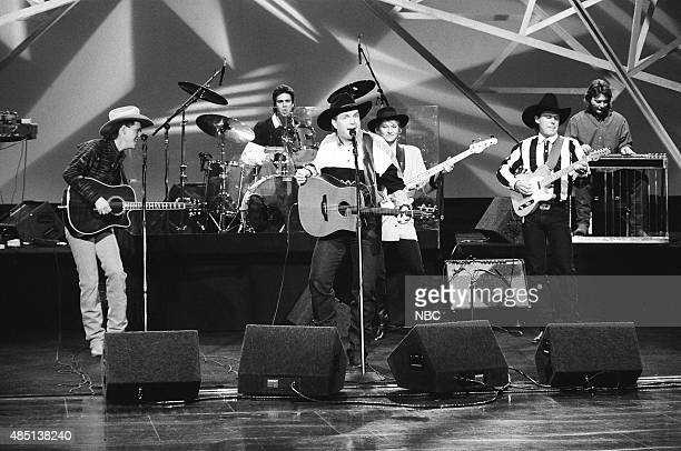 Musical guest Garth Brooks performs on January 24 1991