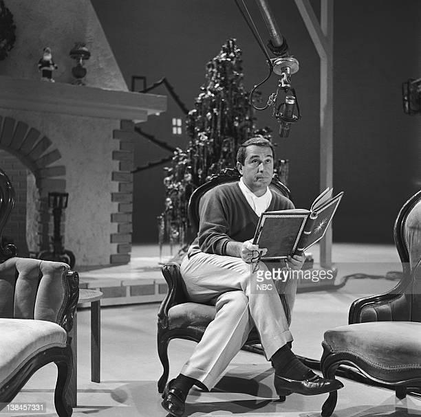 perry como on the set of the perry como shows christmas special - Perry Como Christmas Show