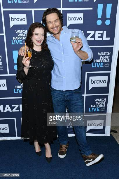 Rachel Bloom and Oliver Hudson