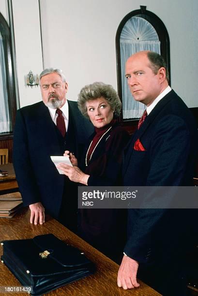 Raymond Burr as Perry Mason Barbara Hale as Della Street David Ogden Stiers as DA Michael Reston