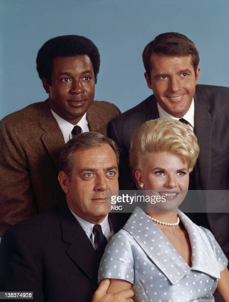 Raymond Burr as Robert T Ironside Barbara Anderson as Eve Whitfield Don Mitchell as Mark Sanger Don Galloway as Det Sgt Ed Brown