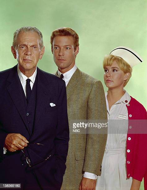 Raymond Massey as Dr Leonard Gillespie Richard Chamberlain as Dr James Kildare Lee Kurty as Nurse Zoe Lawton