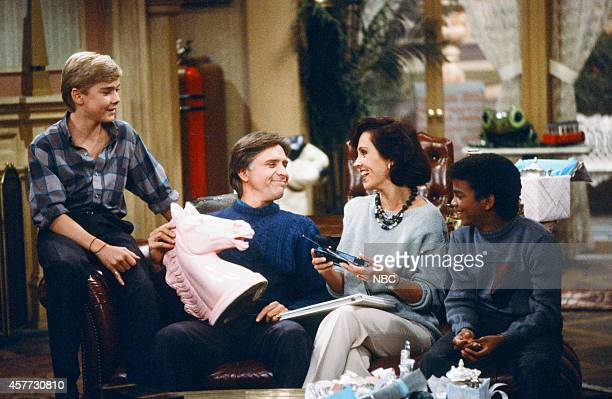 Ricky Shroder as Ricky Stratton Joel Higgins as Edward Stratton III Erin Gray as Kate Summers Stratton Alfonso Ribeiro as Alfonso Spears