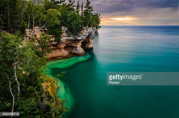 pictured rocks national lakeshore - munising michigan stock pictures, royalty-free photos & images