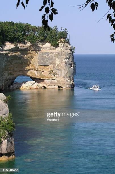 pictured rocks - upper peninsula stock pictures, royalty-free photos & images