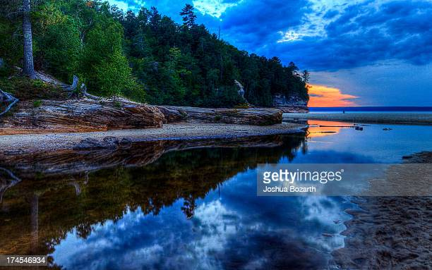 pictured rocks sunset - pictured rocks national lakeshore stock pictures, royalty-free photos & images