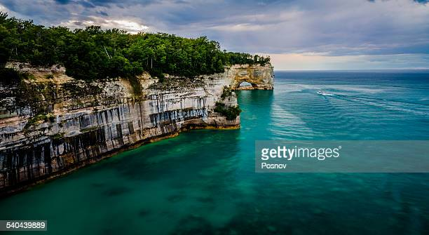 pictured rocksr - munising michigan stock pictures, royalty-free photos & images
