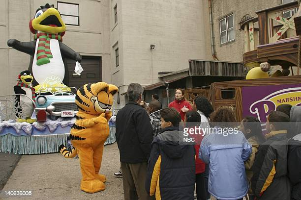 S 77TH THANKSGIVING DAY PARADE MACY'S STUDIO Pictured School children touring the floats and balloons at Macy's Studio in Hoboken NJ prior to the...