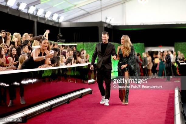 Steven Perkins and Desi Perkins arrive to the 2019 E People's Choice Awards held at the Barker Hangar on November 10 2019 NUP_188992