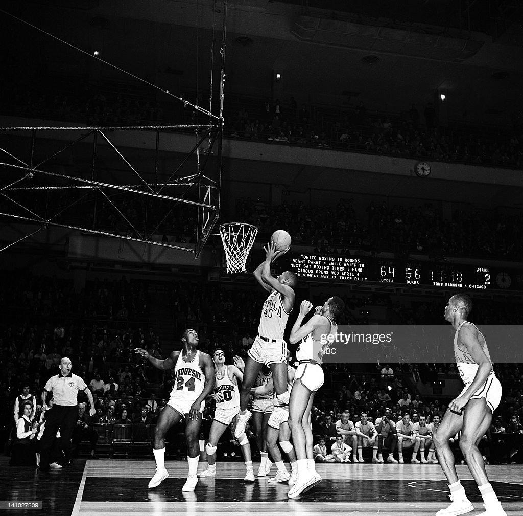1962 National Invitation Tournament Semifinals : News Photo