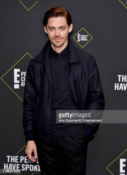 Tom Payne arrives to the 2019 E People's Choice Awards held at the Barker Hangar on November 10 2019 NUP_188989