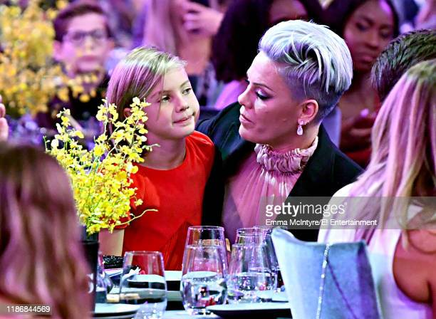 Willow Sage Hart and Pink attend the 2019 E People's Choice Awards held at the Barker Hangar on November 10 2019 NUP_188995