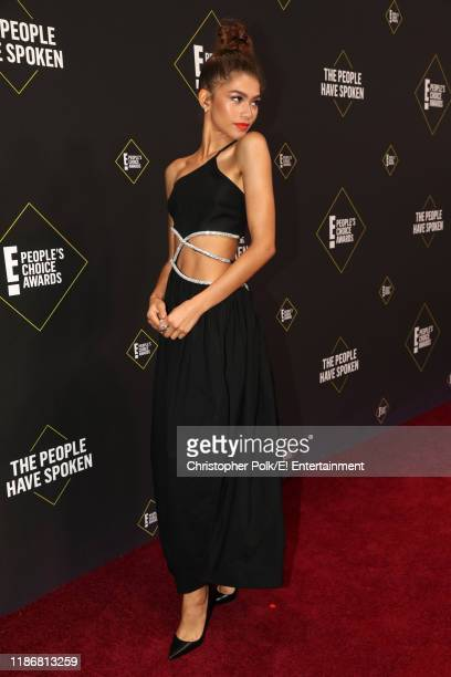 Zendaya arrives to the 2019 E People's Choice Awards held at the Barker Hangar on November 10 2019 NUP_188992