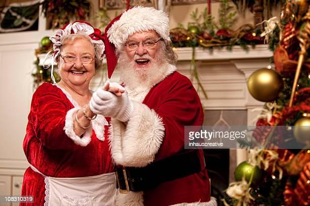 foto di vera santa balli con mamma natale - mamma natale foto e immagini stock