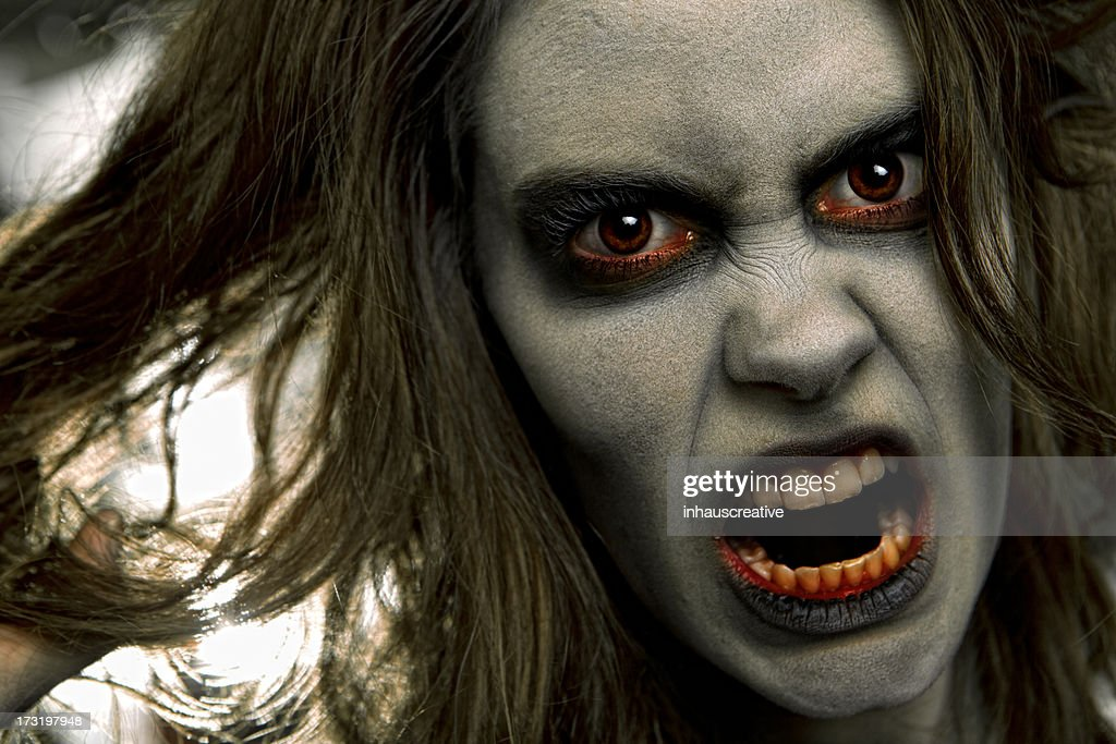 Pictures of Real Zombie Dead Girl : Stock Photo