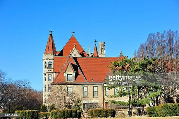 picturesque campus - シカゴ大学 ストックフォトと画像