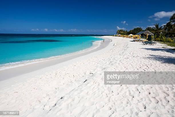 pitoresca caribbean beach - baía - fotografias e filmes do acervo