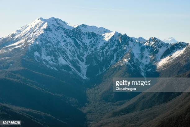 picturesque caucasus mountains - cliqueimages - fotografias e filmes do acervo
