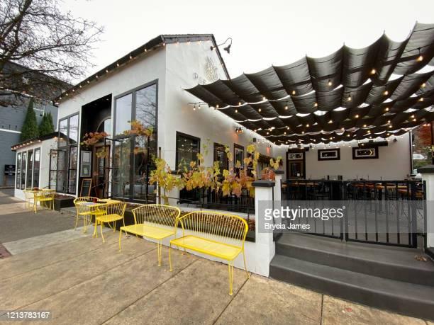 pie & vine downtown ashland oregon - brycia james stock pictures, royalty-free photos & images