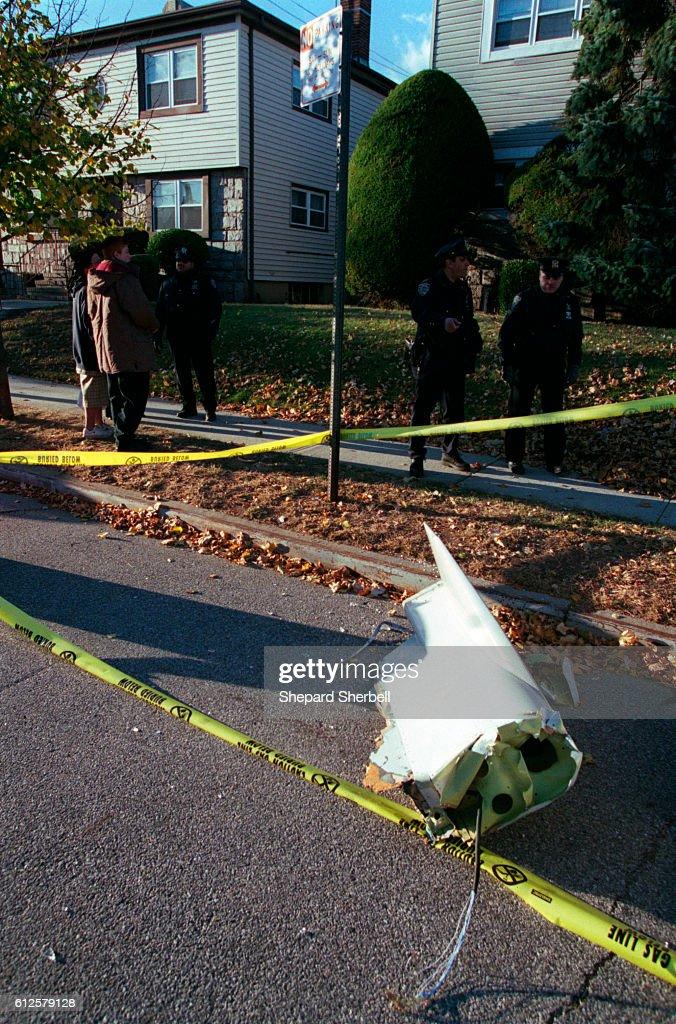 American Airlines Flight 587 crashes in Rockaways : News Photo