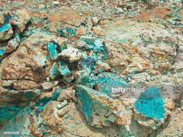 Morceaux de cuivre roches et minéraux