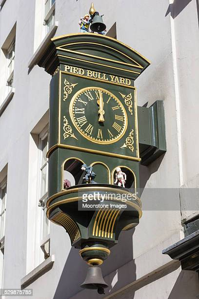 pied bull yard in bloomsbury, london - bloomsbury london stock photos and pictures