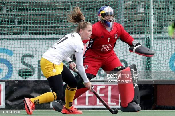 Pien Sanders of Den Bosch Dames 1 Anne Veenendaal of Amsterdam Dames 1 during the Hoofdklasse Women match between Amsterdam v Den Bosch at the...