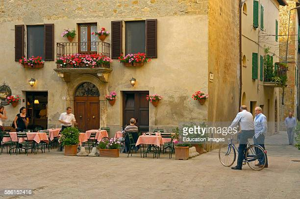 Pienza Piazza di Spagna Val d'Orcia Orcia Valley UNESCO world heritage site Siena Province Tuscany Italy